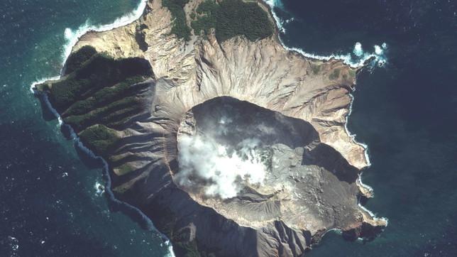 Nuova Zelanda, il vulcano Whakaari riprende l'attività