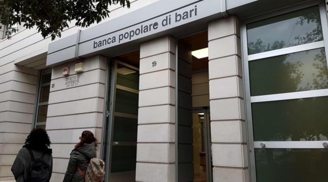 Pop. Bari, Conte: non tuteliamo i banchieri |Di Maio: se salvata diventi proprietà statale