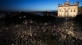 Sardine, Raggi contro Salvini: