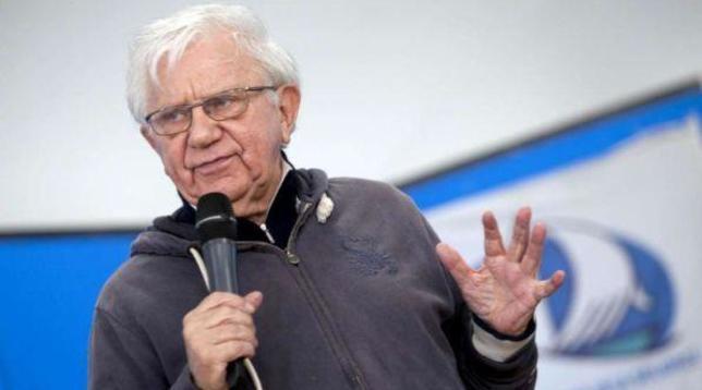 Don Mazzi compie 90 anni e li festeggia... coi 35 della sua comunità