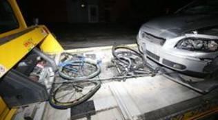 Brescia, due ciclisti travolti e uccisi da un'auto | Arrestato il conducente: