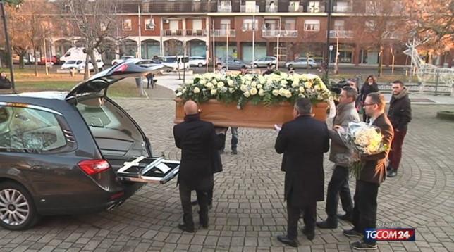 Milano, l'ultimo saluto a Shirley: la famiglia chiede giustizia