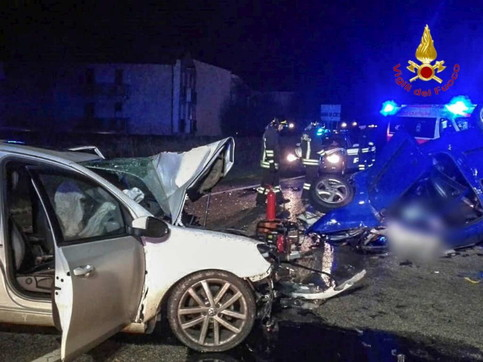 Verona, schianto fra due auto: morte madre e figlia