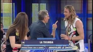 """Quando Paolo Bonolis schiaffeggiò il valletto di """"Avanti un altro"""""""