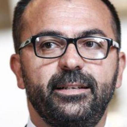 Pochi fondi per l'Istruzione, il ministro Fioramonti consegna lettera di dimissioni a Conte