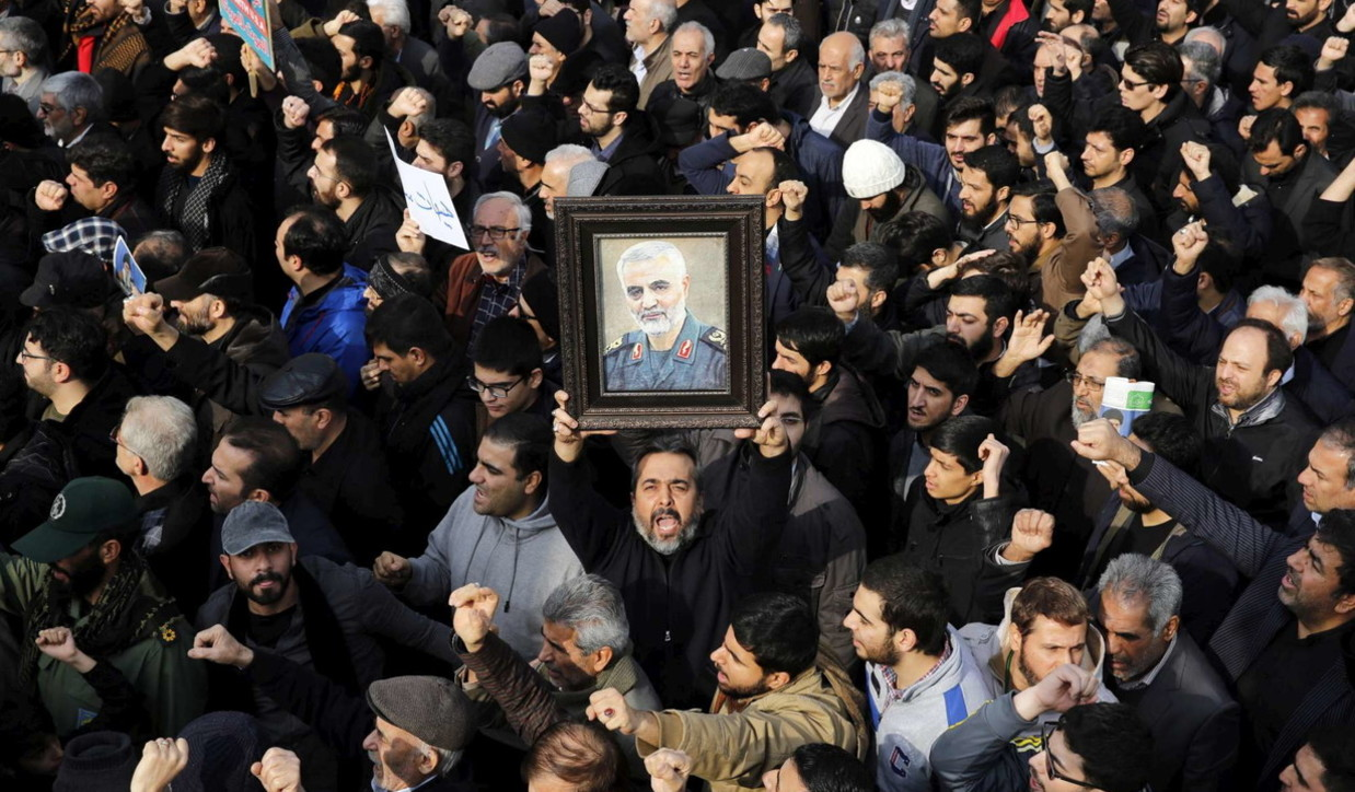 Iran, gente il piazza per la morte del generale Soleimani