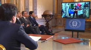 """Conte si collega con Parmitano sull'Iss: """"Spazio strategico per Italia"""""""