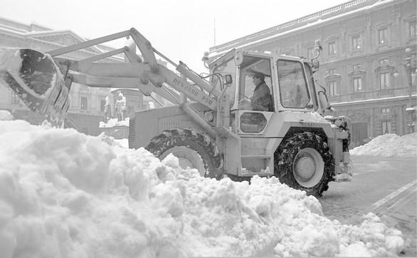 Milano, 35 anni fa la grande nevicata del XX secolo: gli scatti più belli