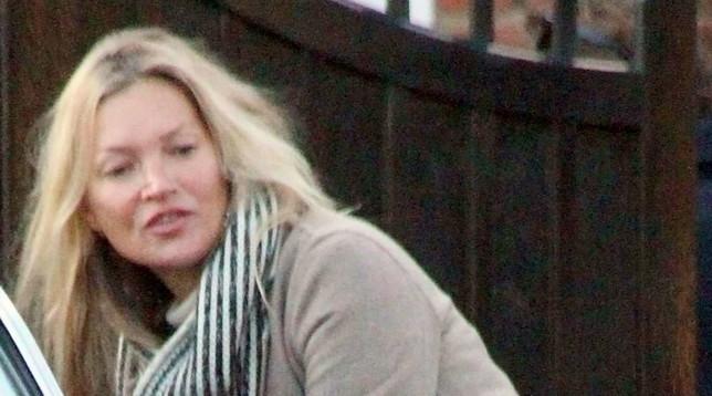 Kate Moss a Londra spettinata e senza trucco