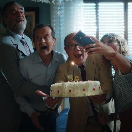 """Carlo Verdone presenta """"viviamo solo una volta"""" a Tgcom24: ecco la locandina e il nuovo trailer"""