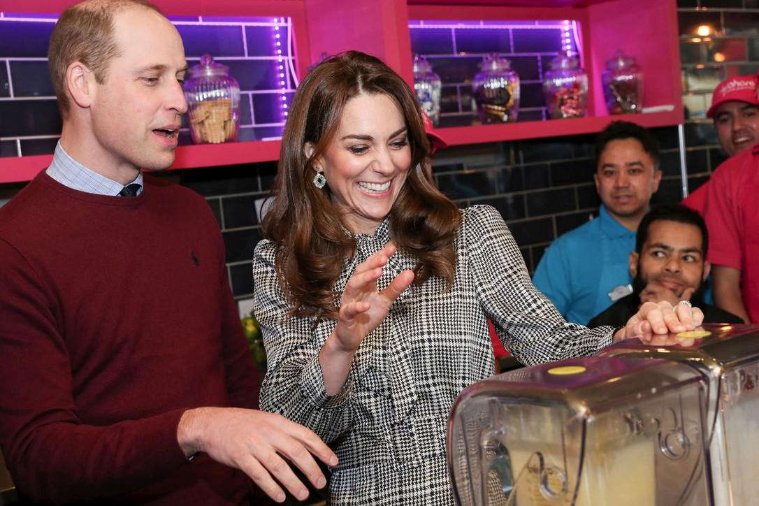 "Kate ""premiata"" dalla Regina Elisabetta e Harry fa le valigie"
