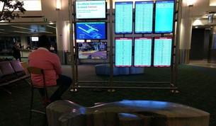Usa, uomo si collega al monitor dell'aeroporto per giocare alla PlayStation