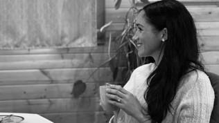 Meghan Markle torna a fare l'attrice? L'indizio è nel maglione
