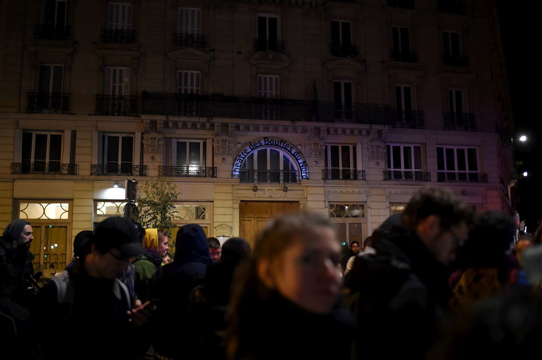 Francia, bombe molotov sulla brasserie dove Macron festeggiò la vittoria del 2017