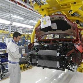 Eurostat: solo il 23% dei lavoratori italiani è laureato | Donne, più istruite