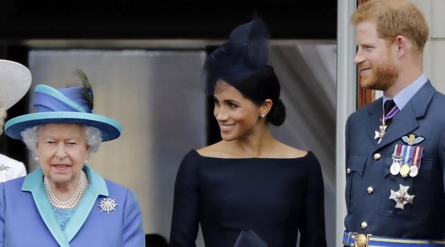 Buckingham Palace: Harry e Meghan rinunciano al titolo di