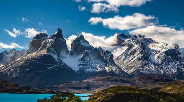 Disegna su una roccia in un parco nazionale: italiana arrestata in Cile