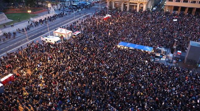 Bologna, le Sardine in piazza: