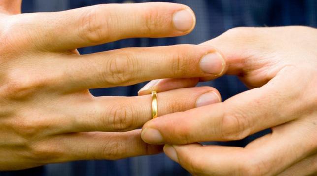 amore, coppia, relazione, matrimonio, fede nuziale, fede, anello,
