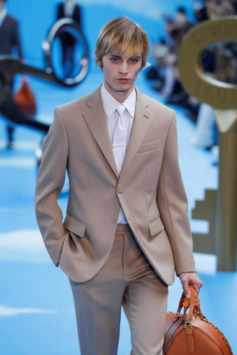 Paris Fashion week 2020, Louis Vuitton: l'uomo visionario
