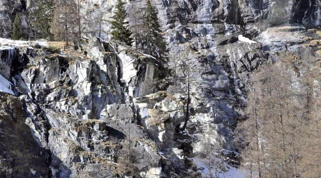 Scialpinismo Aosta, precipita durante un'esercitazione di aggiornamento: muore finanziere del Soccorso alpino