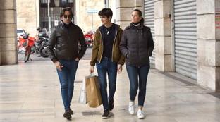 Per Samantha De Grenetshopping a Roma con il marito e il figlio