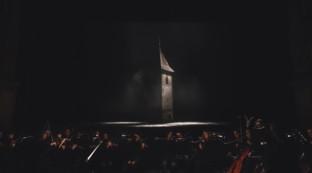 """""""Curon/Graun"""", un'esperienza ipnotica di teatro musicale sulrapporto fra uomo e paesaggio"""