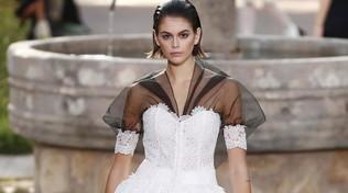 Paris Haute Couture, Chanel: colletti e calzini, è la donna bambina