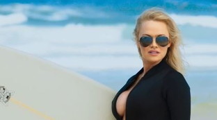 "Revival bollente per l'ex bagnina di ""Baywatch"" Pamela Anderson"