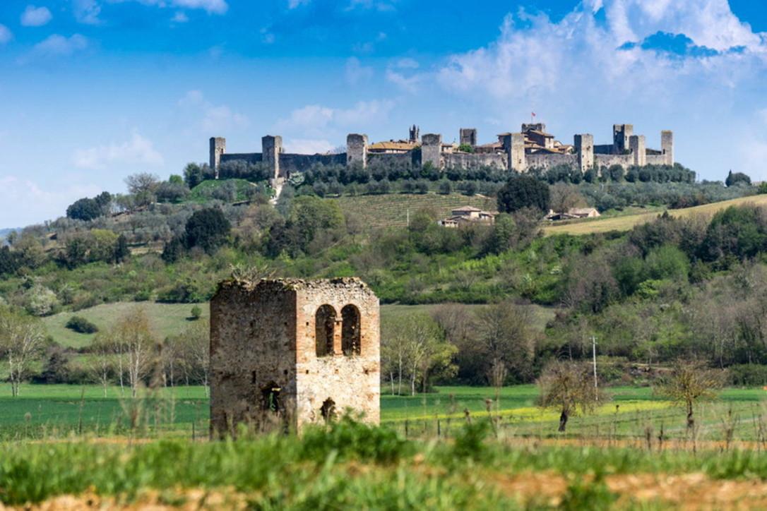 A Monteriggioni, citata da Dante, per passeggiare nel Medioevo