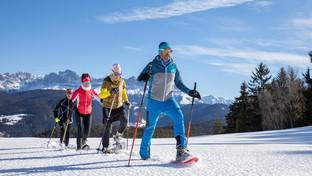 Neve adrenalinica con ciaspole e slittini