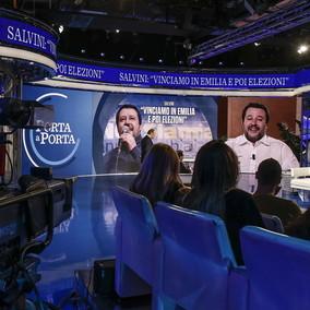 Spot con Salvini durante Juve-Roma, a Zingaretti offerto il break di
