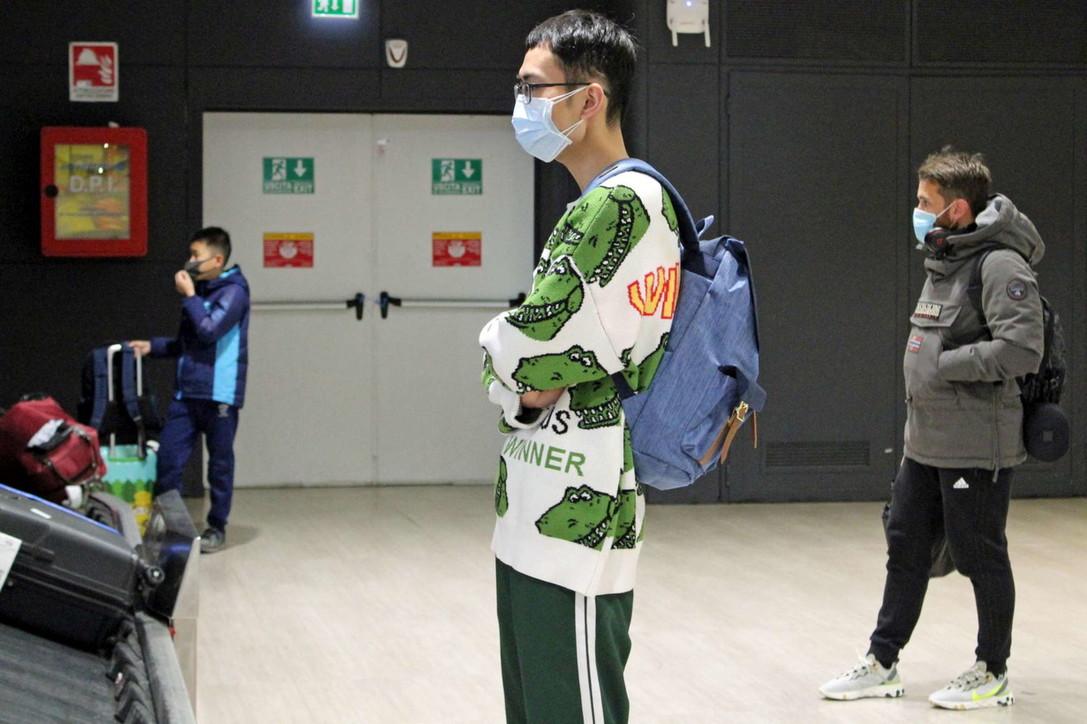 Virus misterioso, scanner ai passeggeri cinesi a Fiumicino