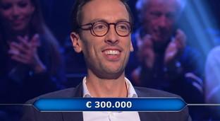 """""""Chi vuol essere milionario"""" parte col botto: Enrico a una domanda dal milione"""