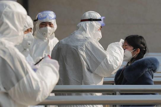 Virus Cina, negli aeroporti di Pechino controlli su tutti i passeggeri
