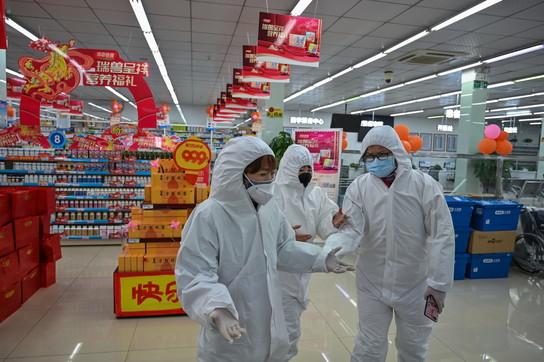 Virus Cina, le misure di sicurezza nei supermarket