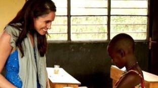 I Duchi di Sussex pubblicano le foto mai viste prima del loro soggiorno in Rwanda