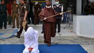 """Indonesia, frustata perché ha fattosessoprima delmatrimonio: il """"boia"""" è una donna"""