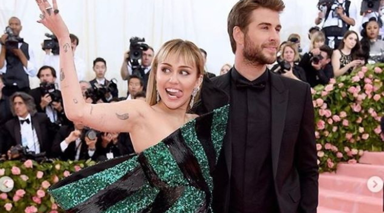 "Miley Cyruse Liam Hemsworth, l'album fotografico di una coppia... ""sui generis""."