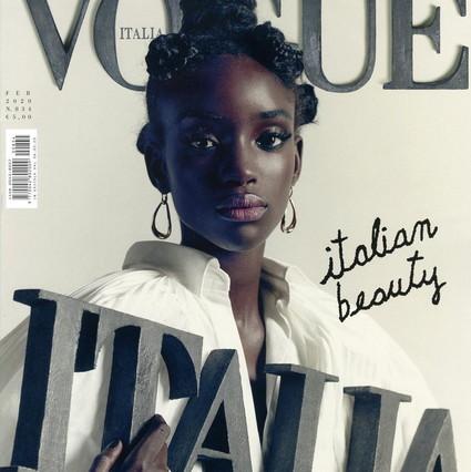 """Modello giuridico italiano sulla copertina di Vogue e attacchi dei membri del Consiglio della Lega Nord: """"L'italiano autentico dovrebbe essere bianco"""""""