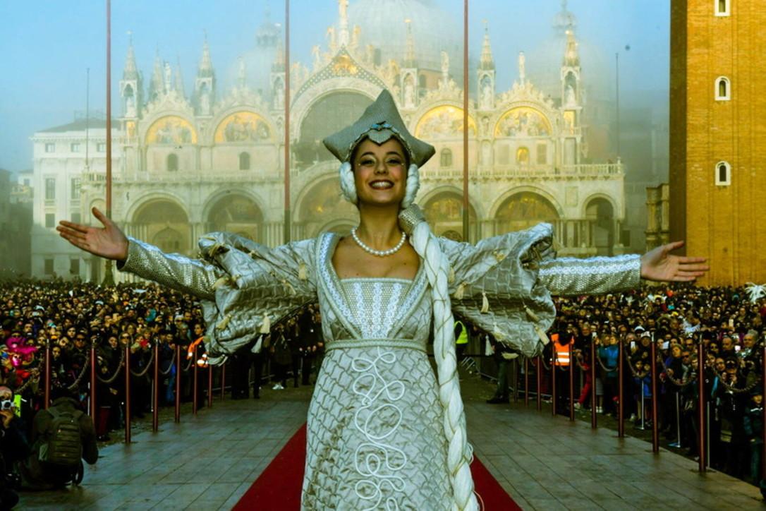Venezia: parte il Carnevale che divertì Casanova