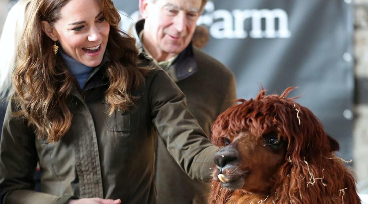 Kate Middleton pomeriggio sporty-chic in fattoria