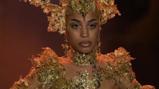 Alla New York Fashion Week il debutto di una modella in carrozzina