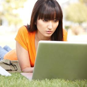 Internet, 50 milioni di italiani sono online per 6 ore al giorno