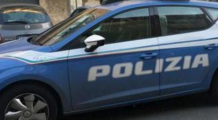 Bologna, 31enne trovato morto su una panchina: indaga la polizia