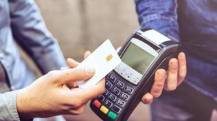 Finlandia, i pagamenti con le carte di credito aumentano il debito delle famiglie