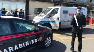 Bari: girano un videoclip con finto assalto a un portavalori, ma arrivano i carabinieri