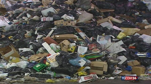 Riempivano il Parco del Gargano di rifiuti pericolosi: sei arresti