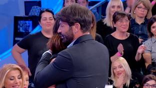 """Gianni Sperti perdona Barbara dopo la lite: """"Non preoccuparti, io sono felice"""""""