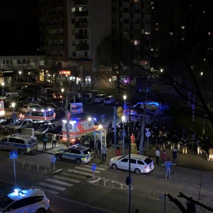 Γερμανία, δύο πυροβολισμοί στο Hanau: 11 θάνατοι συνολικά |  Ο ακροδεξιά δολοφόνος έγραψε: δεν μπορούμε να τους διώξουμε, πρέπει να τους καταστρέψουμε